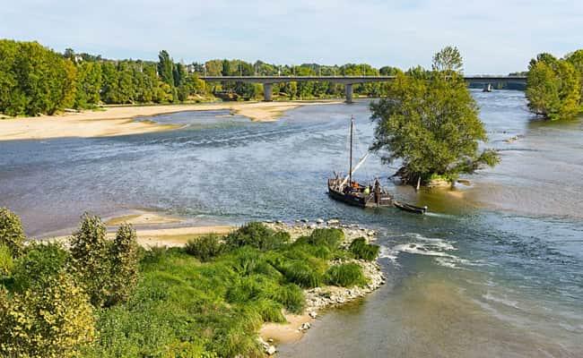 Sailing down the river Loire