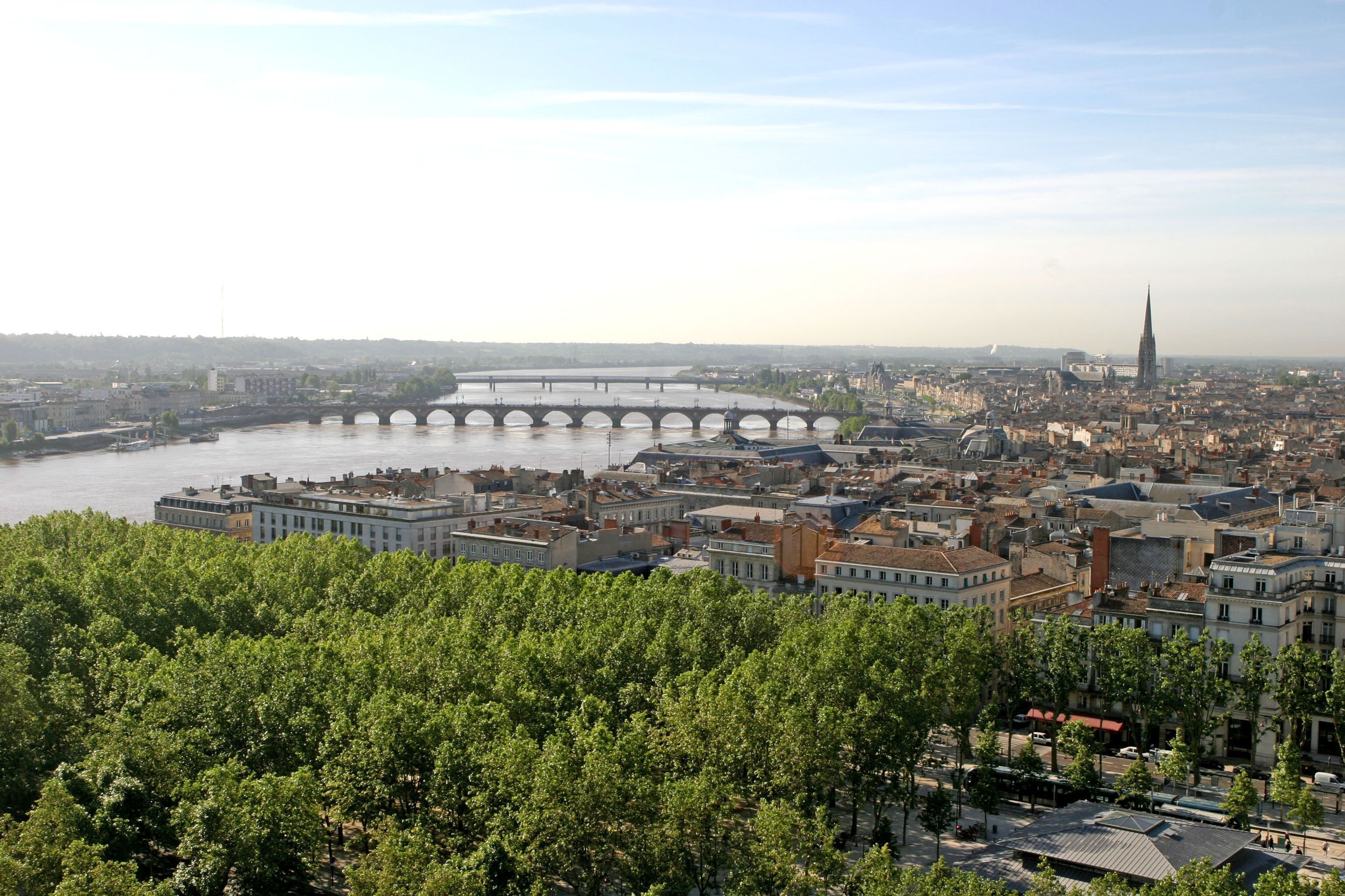 bordeaux-river