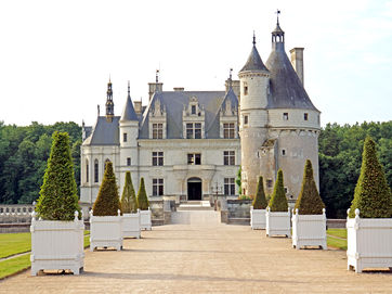 Related Châteaux of the Loire | Self Guided
