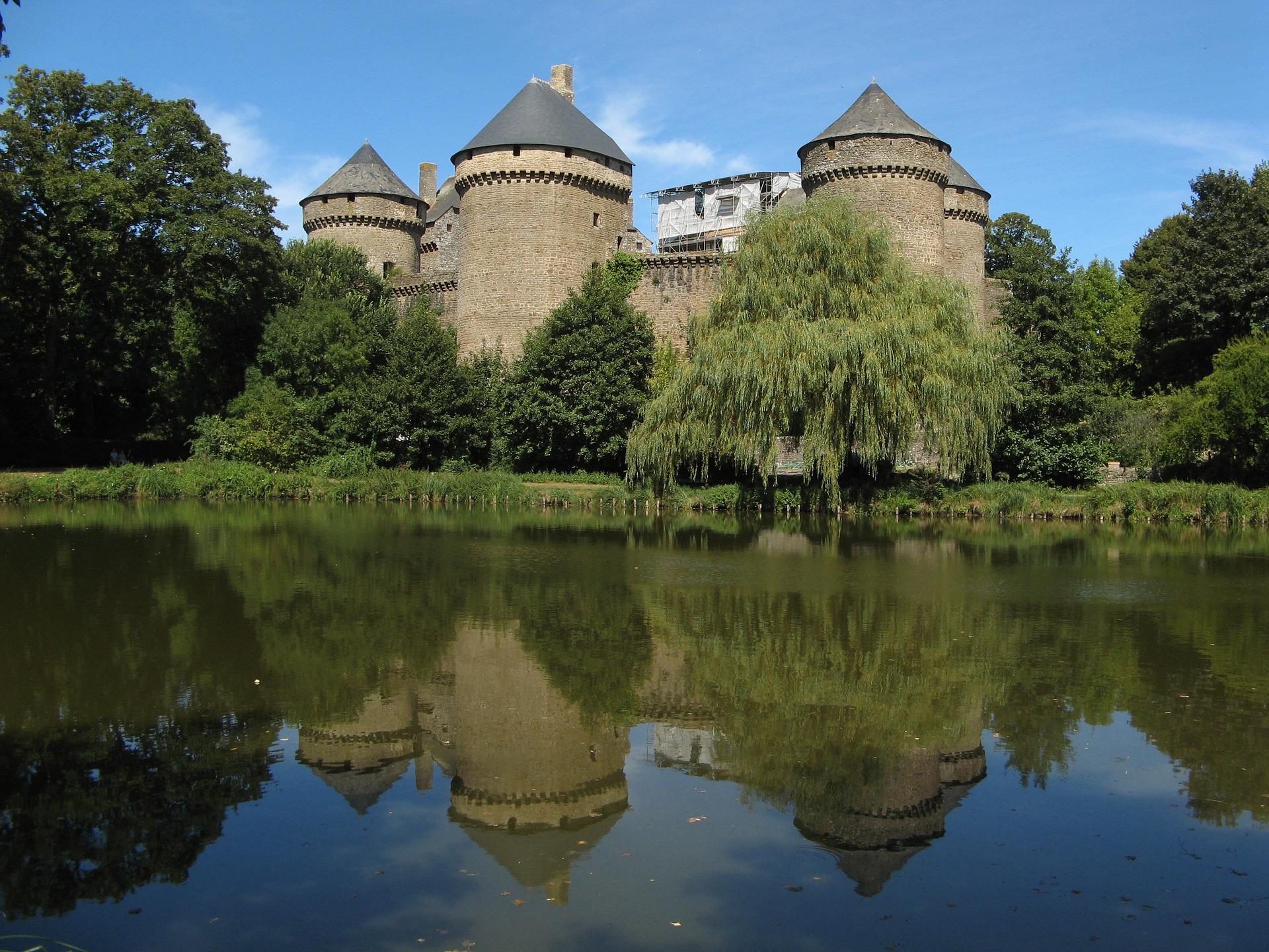 Mayenne sunny day