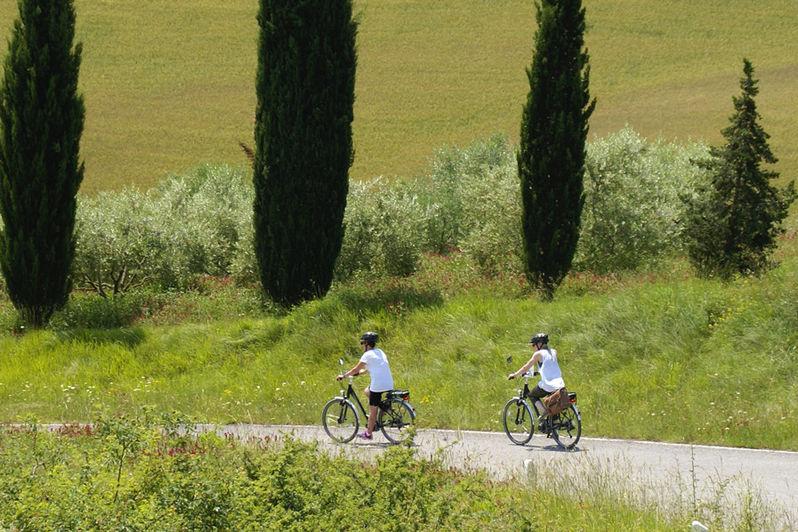 E-bike cycling holidays