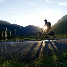 e-bike cycling tours
