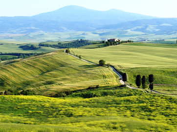 E-Bike tours in Tuscany and Umbria