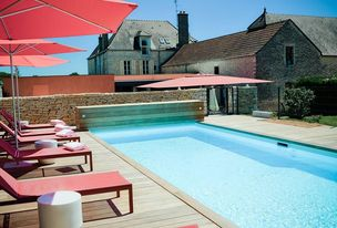 Hotel Castel Swimming Pool