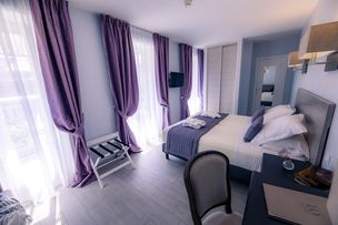 Hotel Le Lion Bedroom