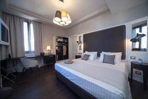 Hotel Grand Italia Bedroom