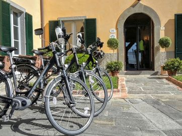 Related E-Bike | Tuscan Valleys | Self Guided